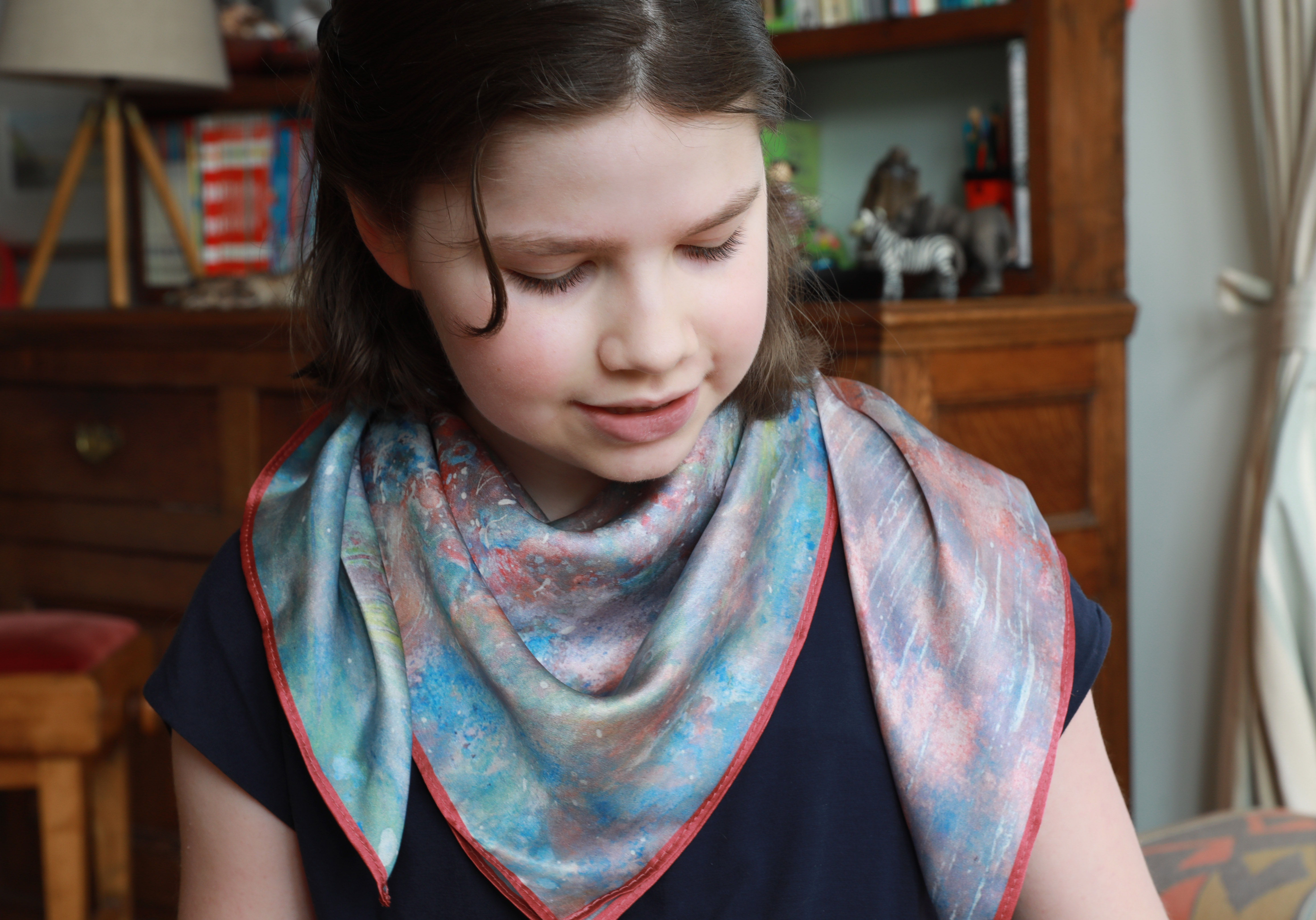Anima silk scarf worn by Iris